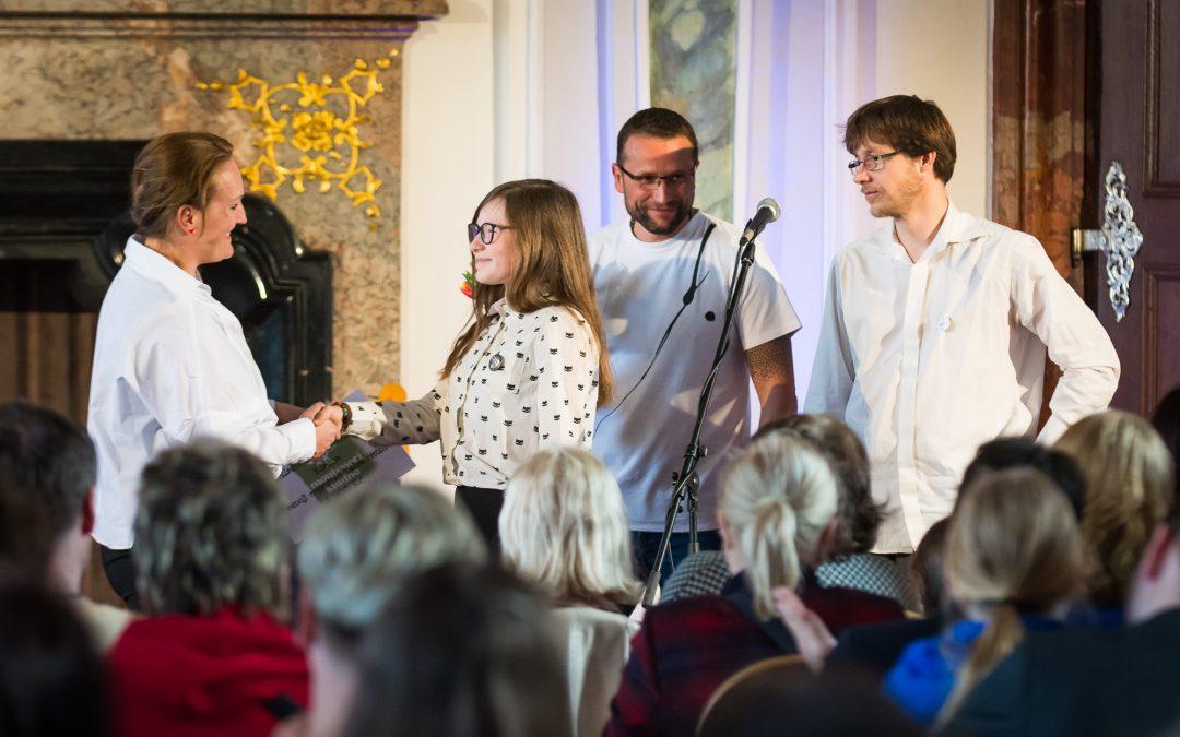Benefiční koncert Tomáše Kluse pro organizaci Debra